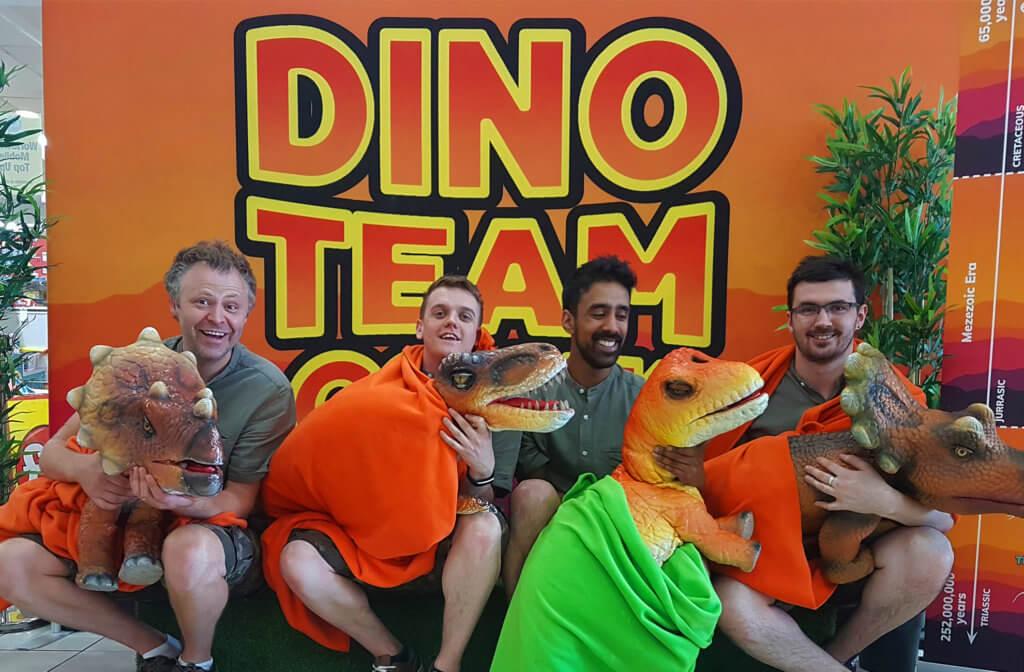 dinoteam-slider-puppets-team