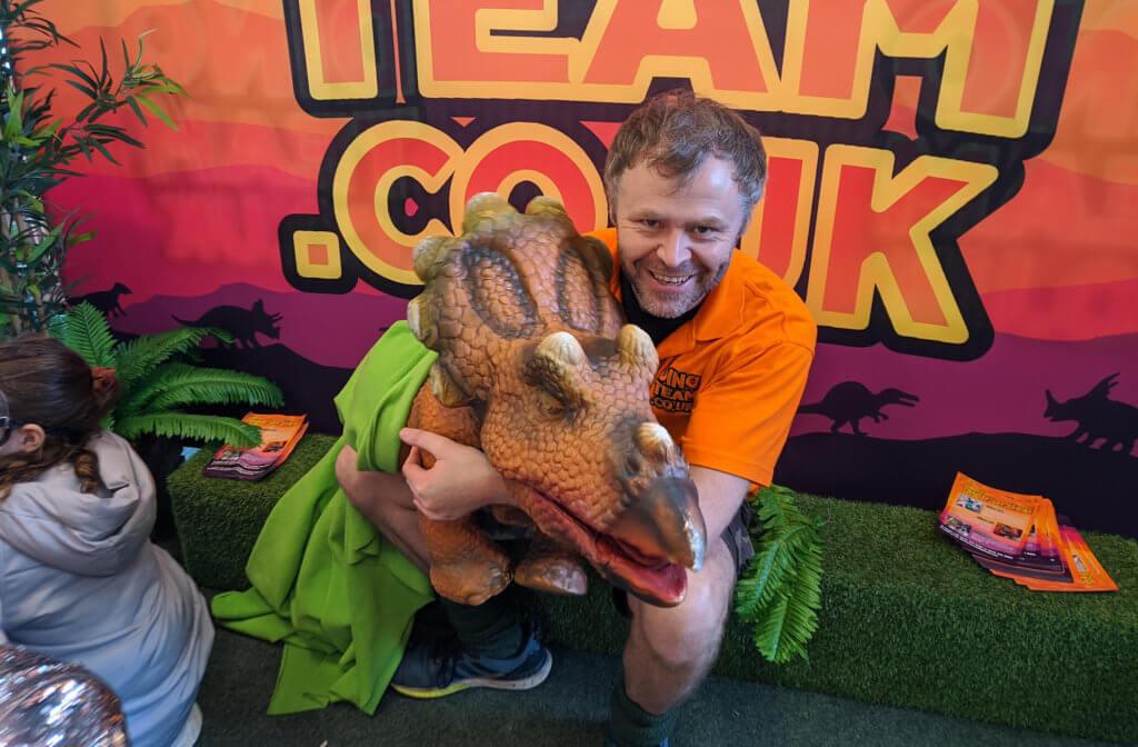 slider-puppets-triceratops